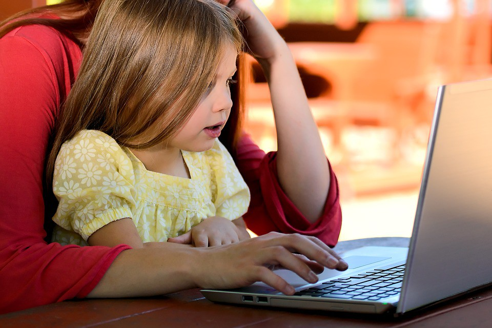 computer and children Computer essay for class 1, 2, 3, 4, 5, 6, 7, 8, 9 and 10 find paragraph, long and short essay on computer for your kids, children and students.